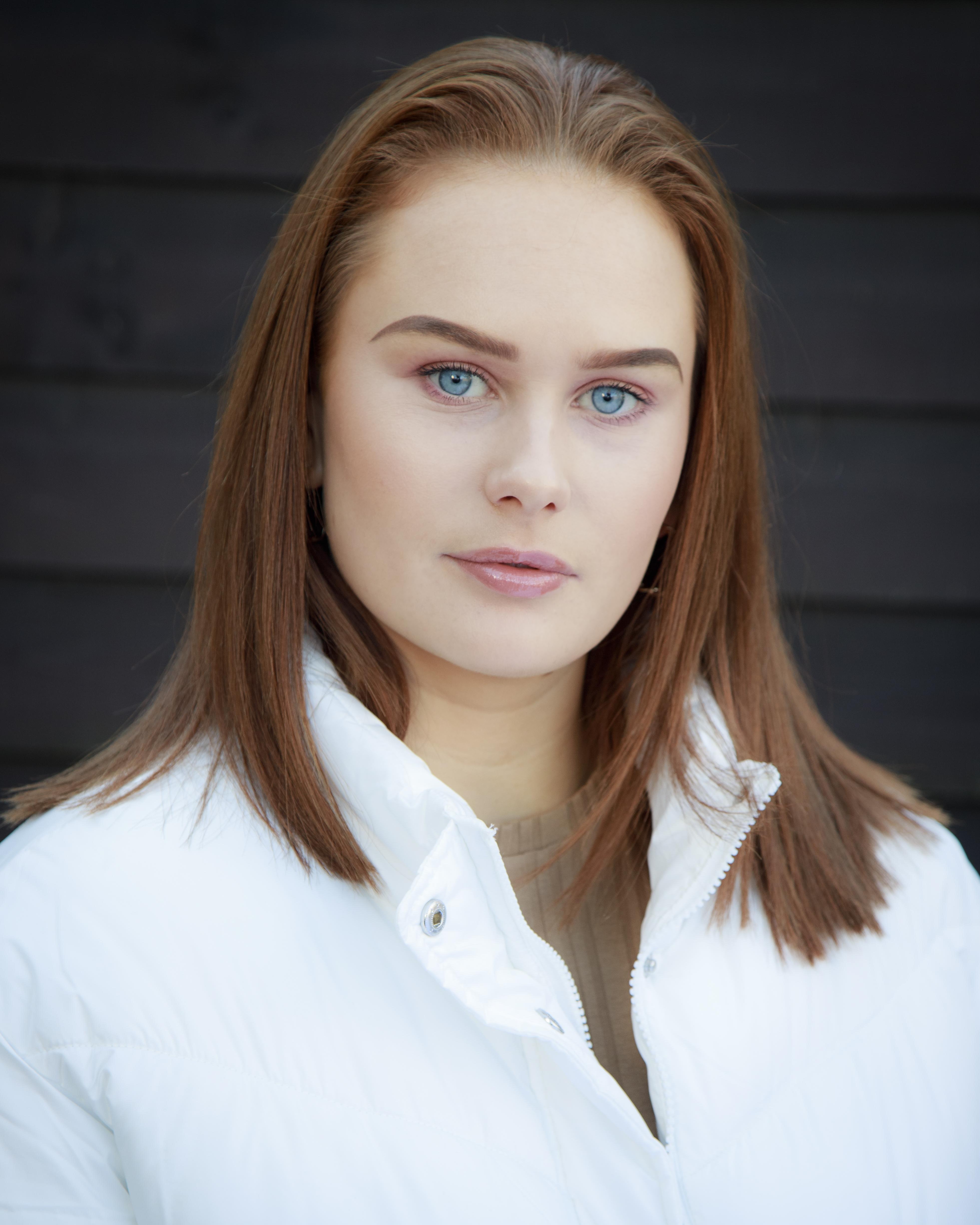 Sara (Drama Student)