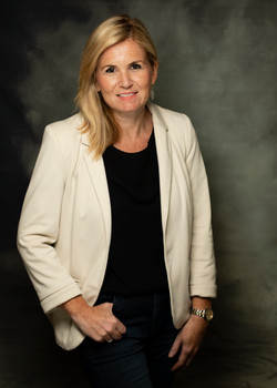 Carolyn Brenchley (Author)