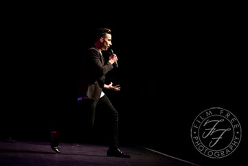 Russell Kane, The Fast and the Curious Tour @ Cliffs Pavilion