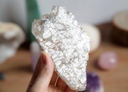 apidae logan crystal shop