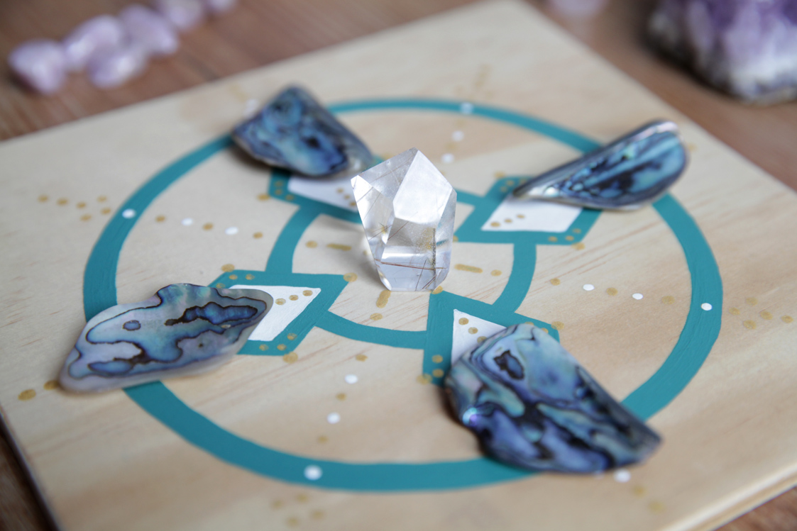 apidae guardians of fae crystals