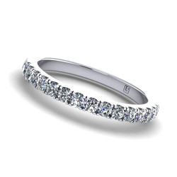 Micro Claw Set Round Diamond Band