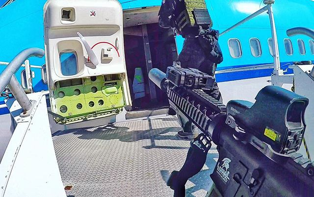 #TBT to team _lancertactical at the _oplionclaws Tactical Challenge trying to bust into a 747 ✈️. Wo
