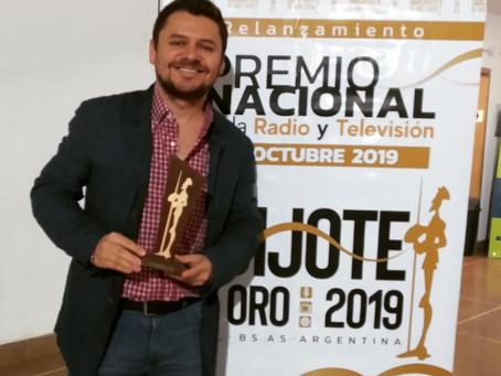 Miguel Ledhesma gana el Quijote de Oro a la Trayectoria