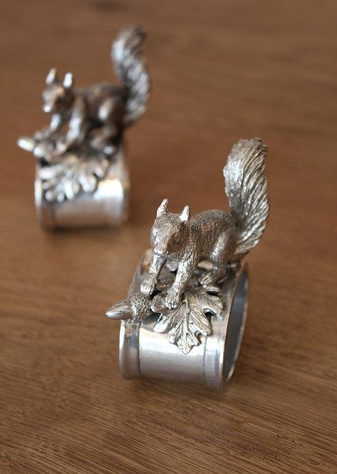 Portatovaglioli scoiattolo