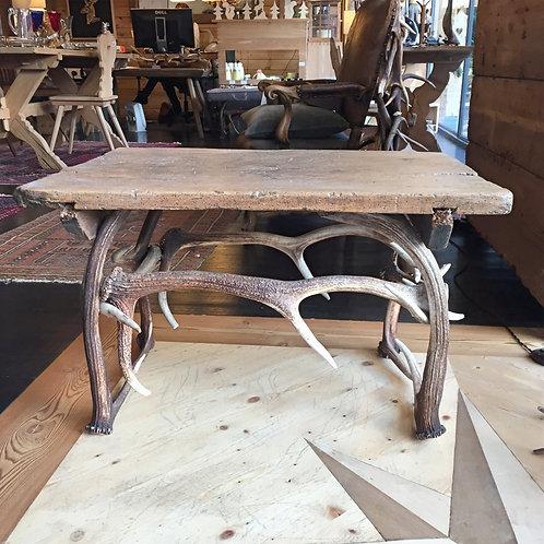 Tavolino corna e legno
