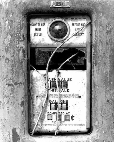 V9001 GasPump.jpg