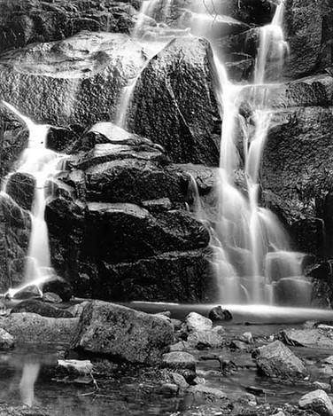 V8807 Waterfall Yosemite.jpg