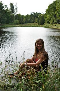 _DSC0622 front pond sit1.JPG