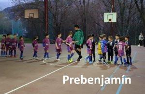 El prebenjamin juega con los Maristas