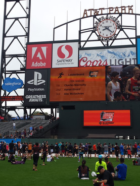 Pitch Promotionat San Francisco Giants Race in AT&T Park