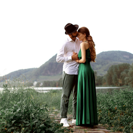 Insel Grafenwerth - entspanntes Verlobungsshooting | Iana & Dimi