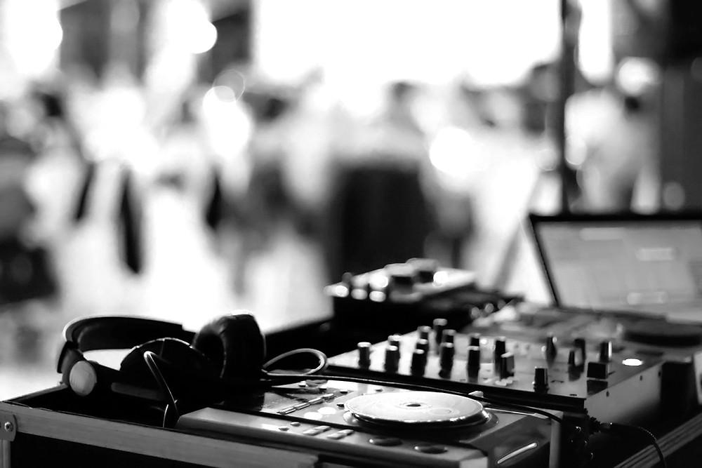 DJ Technik auf einer Hochzeit