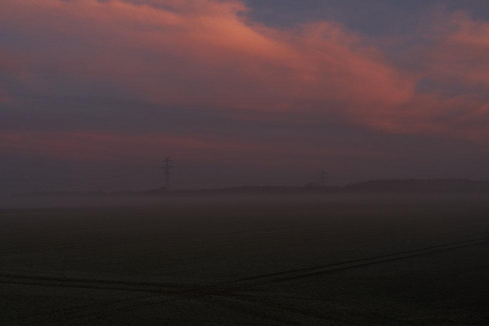 Sonnenaufgang, Strommasten 1.jpg