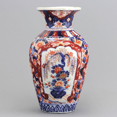 19th Century Japanese Meiji Period Reeded Imari Vase