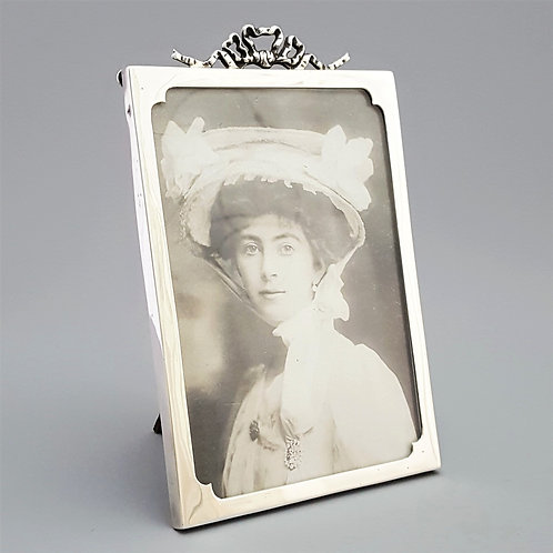 Antique Silver Rectangular Photo Frame with Ribbon Crest