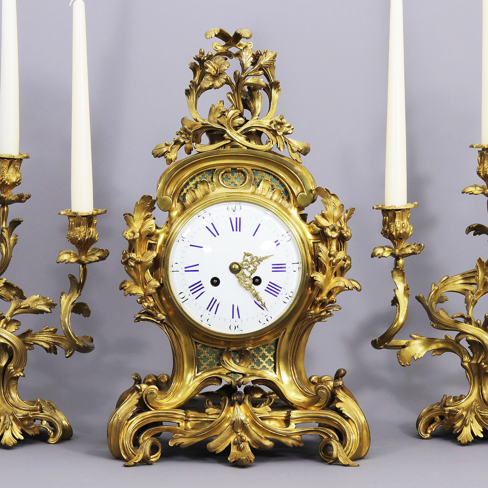 French Gilt Bronze Striking Mantel Clock with Garnitures, Vincenti & Cie c.1860
