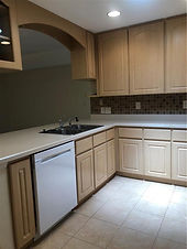 Few Leesburg apartments offer a nicer kitchen layout