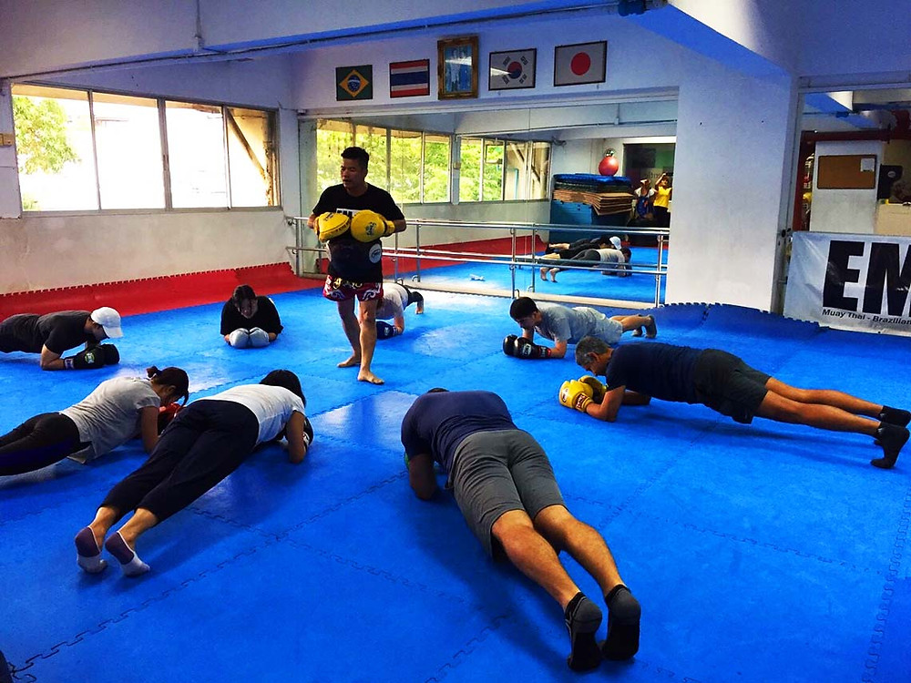Participants must go through the wai kru first, then practice a few kicks and punches, before they compete in the push-up challenge.