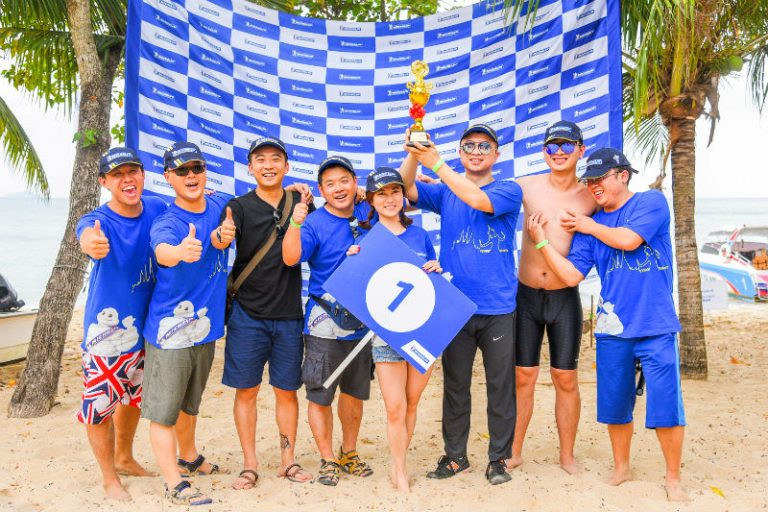 2016 Michelin Walk Rally in Pattaya's Sai Kaew Beach winning team