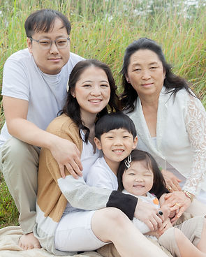 2020_xiong_family-138.jpg