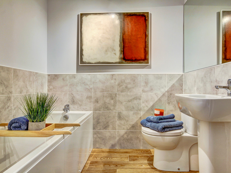 ART INSPIRED BATHROOM - SHOW HOME