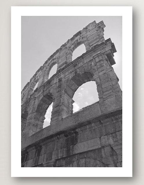 Monochrome Colosseum