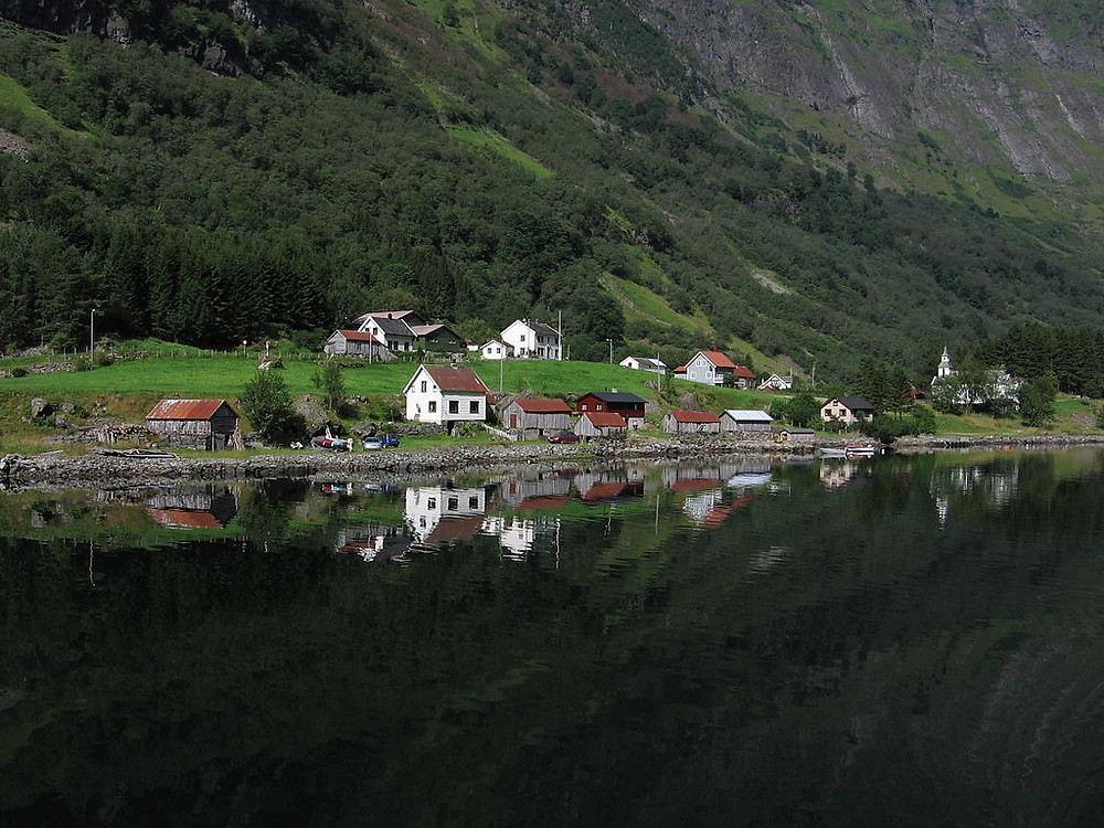 A small Norwegian village alongside a fjord