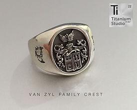 van-zyl-family-crest-rings.jpg