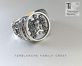 family-crest-rings5.jpg