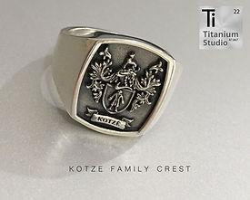 kotze-family-crest-coat-of-arms-rings.jp