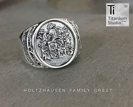 holtzhausen-family-crest-rings.jpg