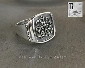 Van-Wyk-family-crest-rings.jpg