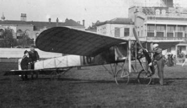 Delagrange starts his monoplane.