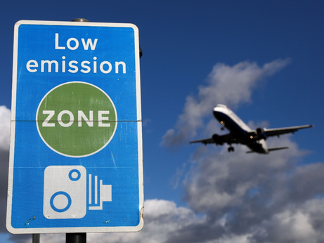 Pressure Mounts on Airlines over Climate Change