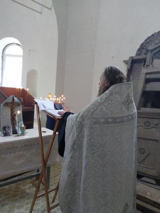 Иерей Вадим провел панихиду в Скорбященской церкви в г. Горбатове