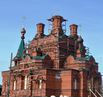 Благодарим Вас за помощь                    в восстановлении Покровского храма