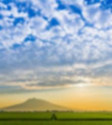 C夏の岩木山2小.jpg
