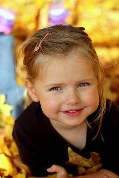 ENNA FOTOGRAFIE Musterfoto Kind im Herbstlaub