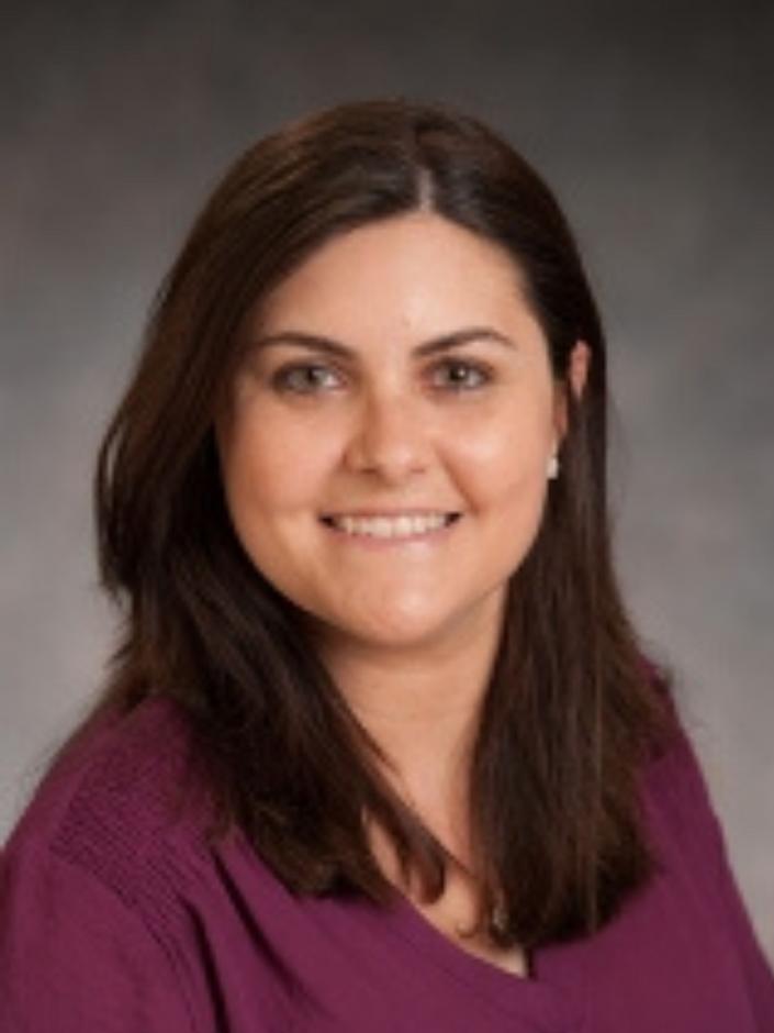 Dr. Heloisa Soares