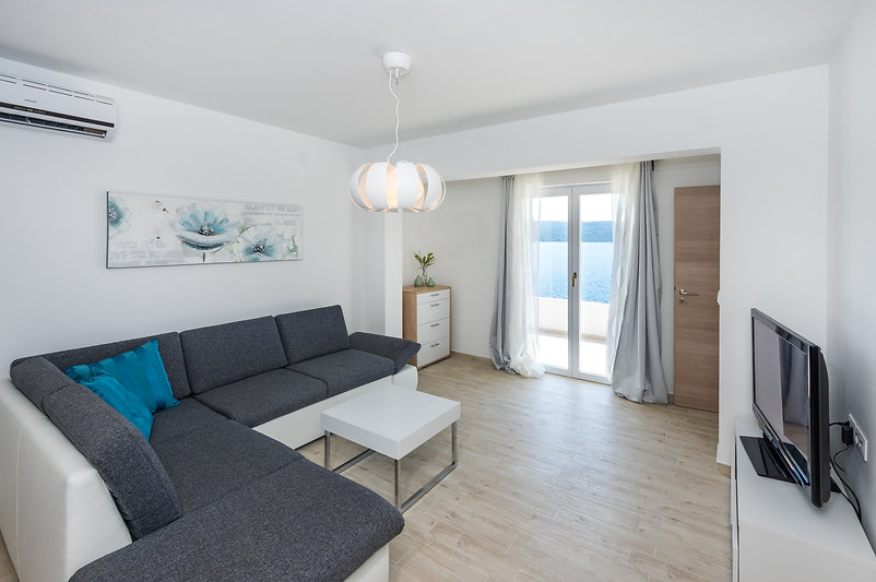 Apartment Fiera on island Zverinac