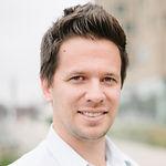 Headshot of Jens Woloszczak, Founder & CEO at Spotcap.