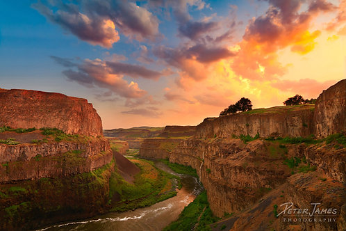 Striking Sunset Over Palouse River Canyon