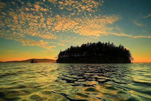 Dot Island Silhouette
