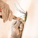 CONCIERGERIE PRIVEE TRAVAUX MISE EN RELATION PLOMBIER ELECTRICIEN PEINTRE