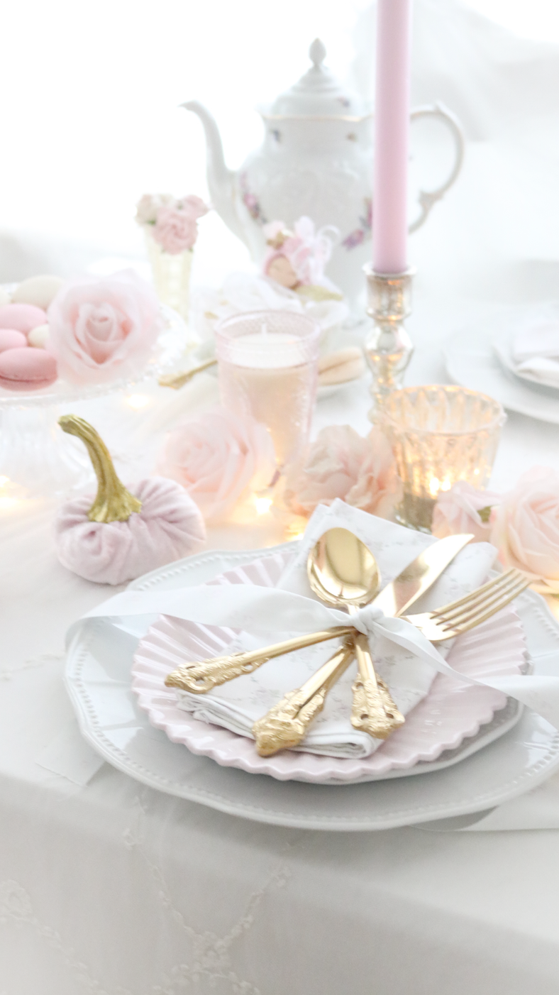 HOW TO A CREATE BEAUTIFUL FALL INSPIRED MAGICAL FAIRY FOREST TABLE WITH PINK VELVET PUMPKINS..