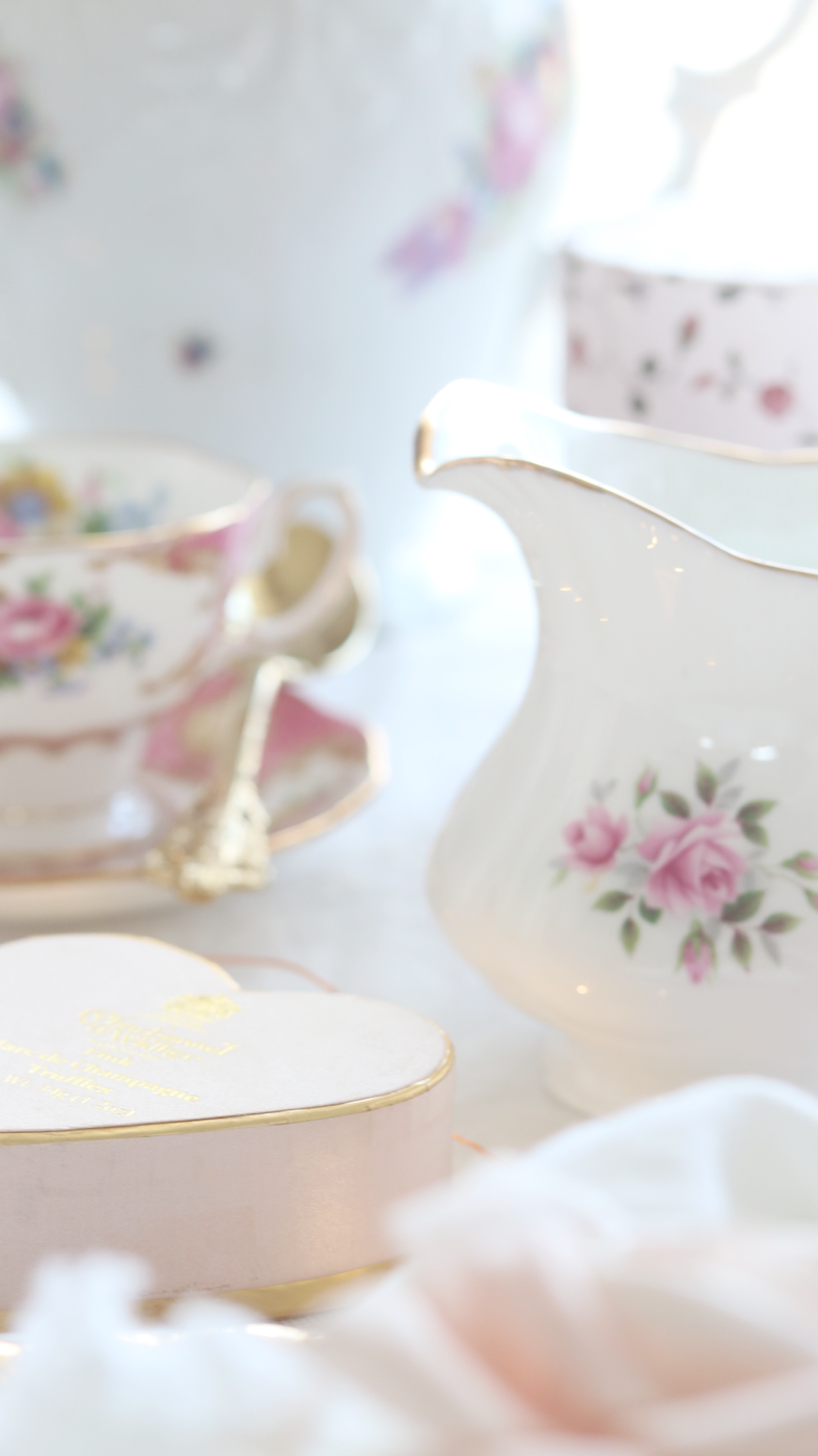 HOW TO CREATE AN ELEGANT MARIE ANTIONETTE INSPIRED HIGH TEA PARTY..