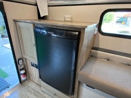 The SS500 comes with a 90L Dometic Fridge/Freezer