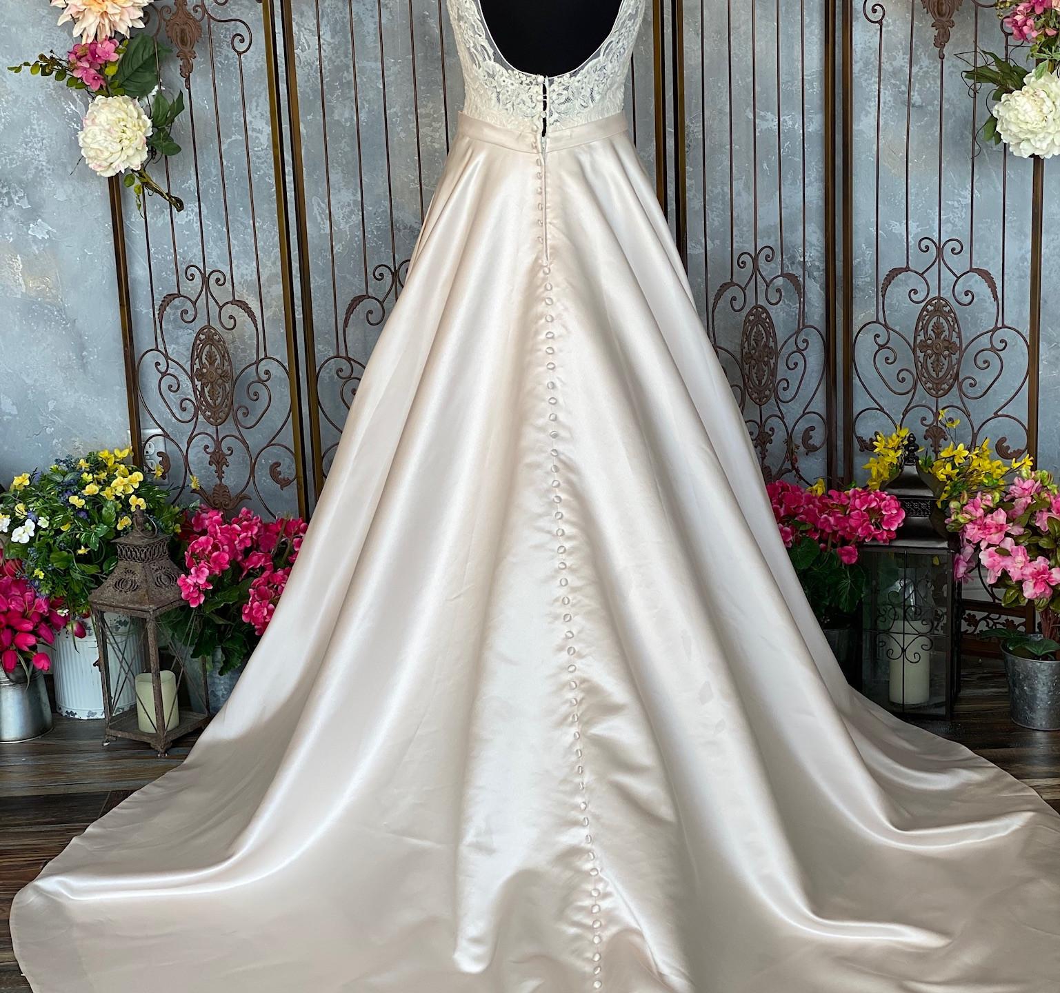 Allure Romance 2951 Dress Back