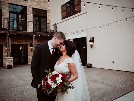 Real Mia Grace Bride: Wedding of Lisa and Zach